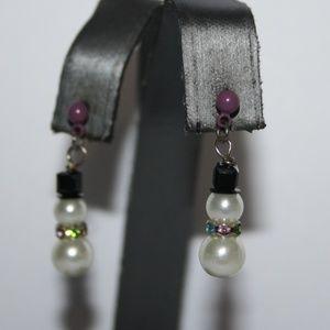 Adorable pearl and rhinestone snow man earrings